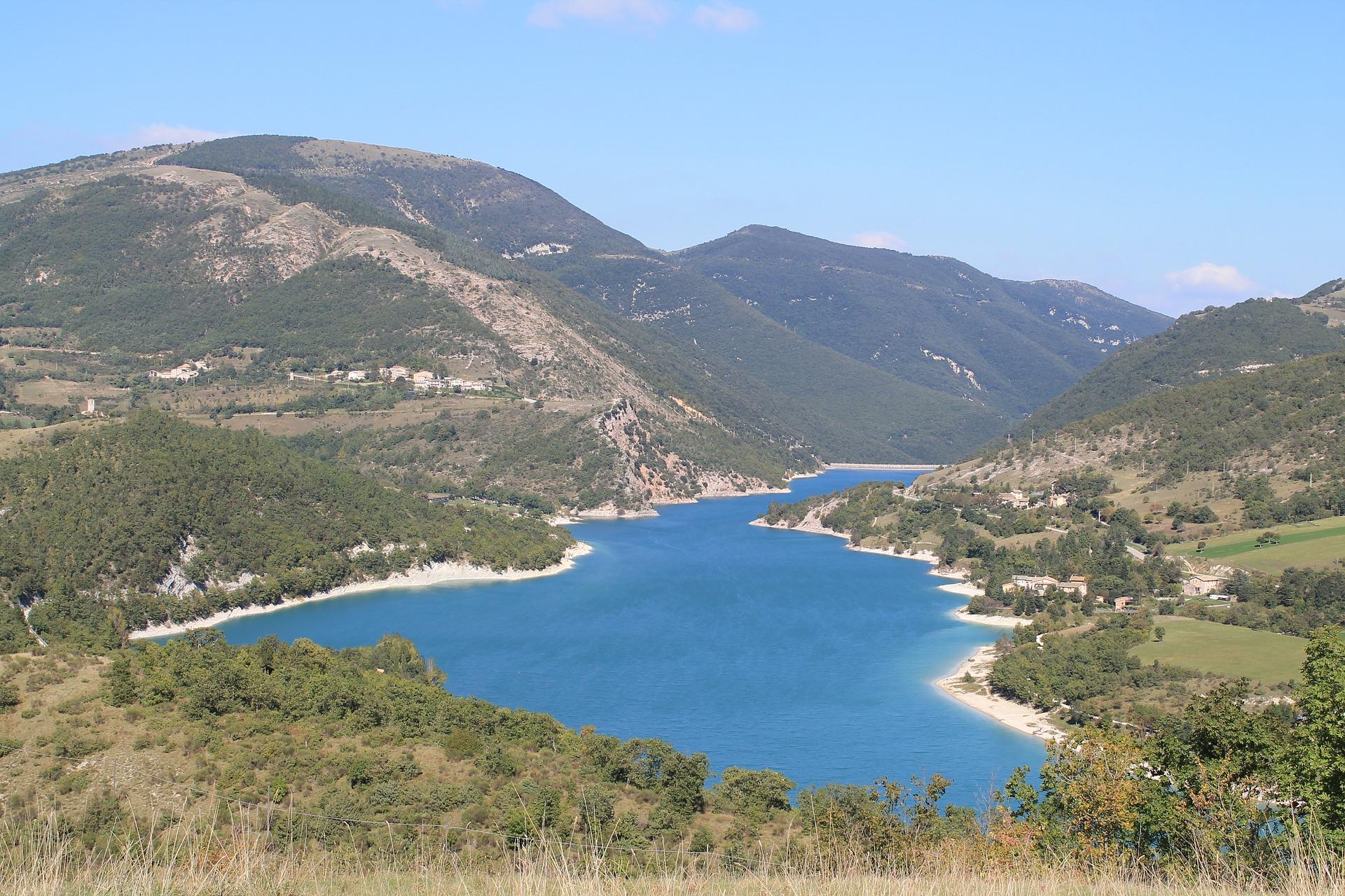 lago di fiastra dove si trova