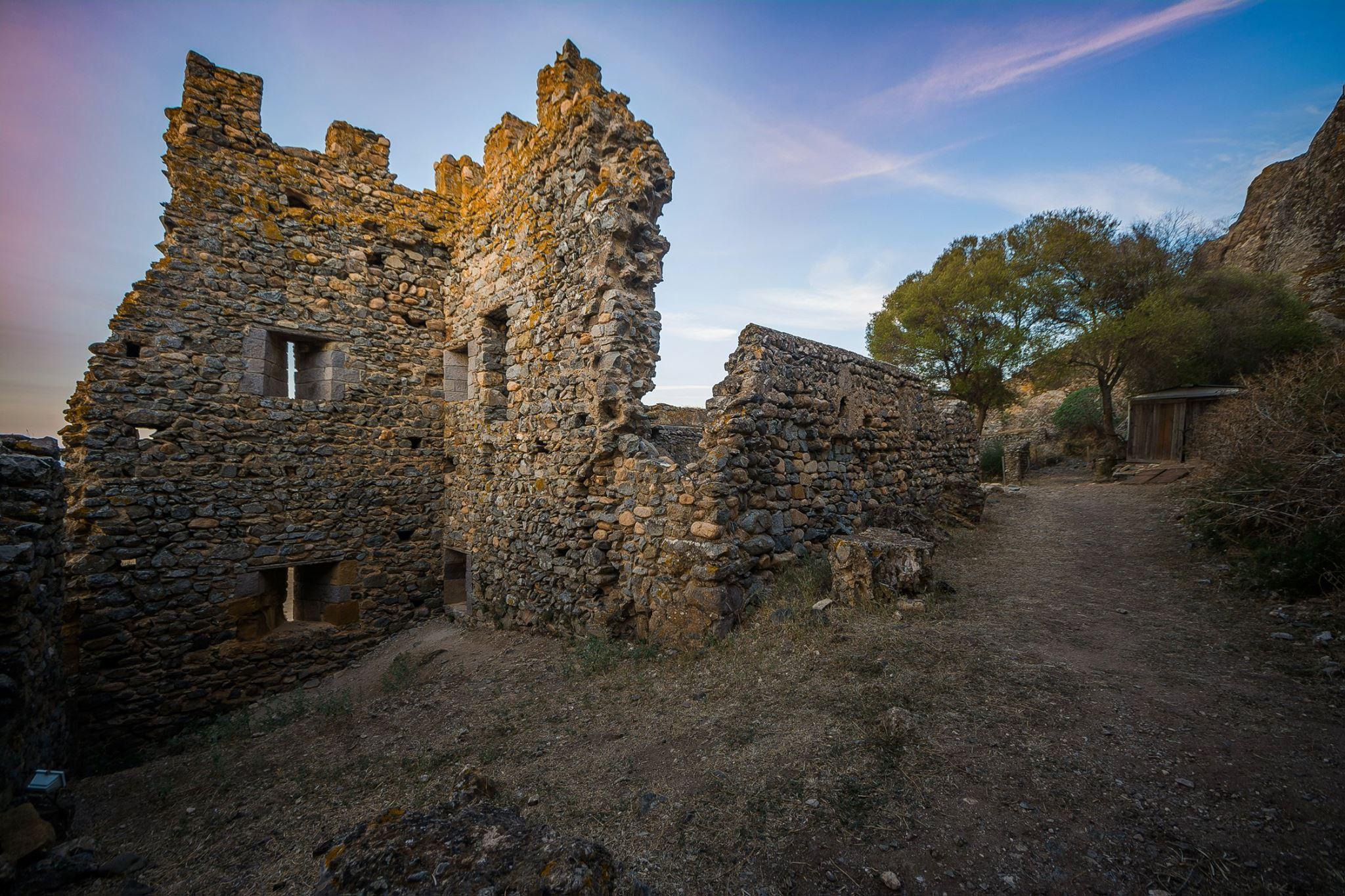 storia del castello di acquafredda siliqua
