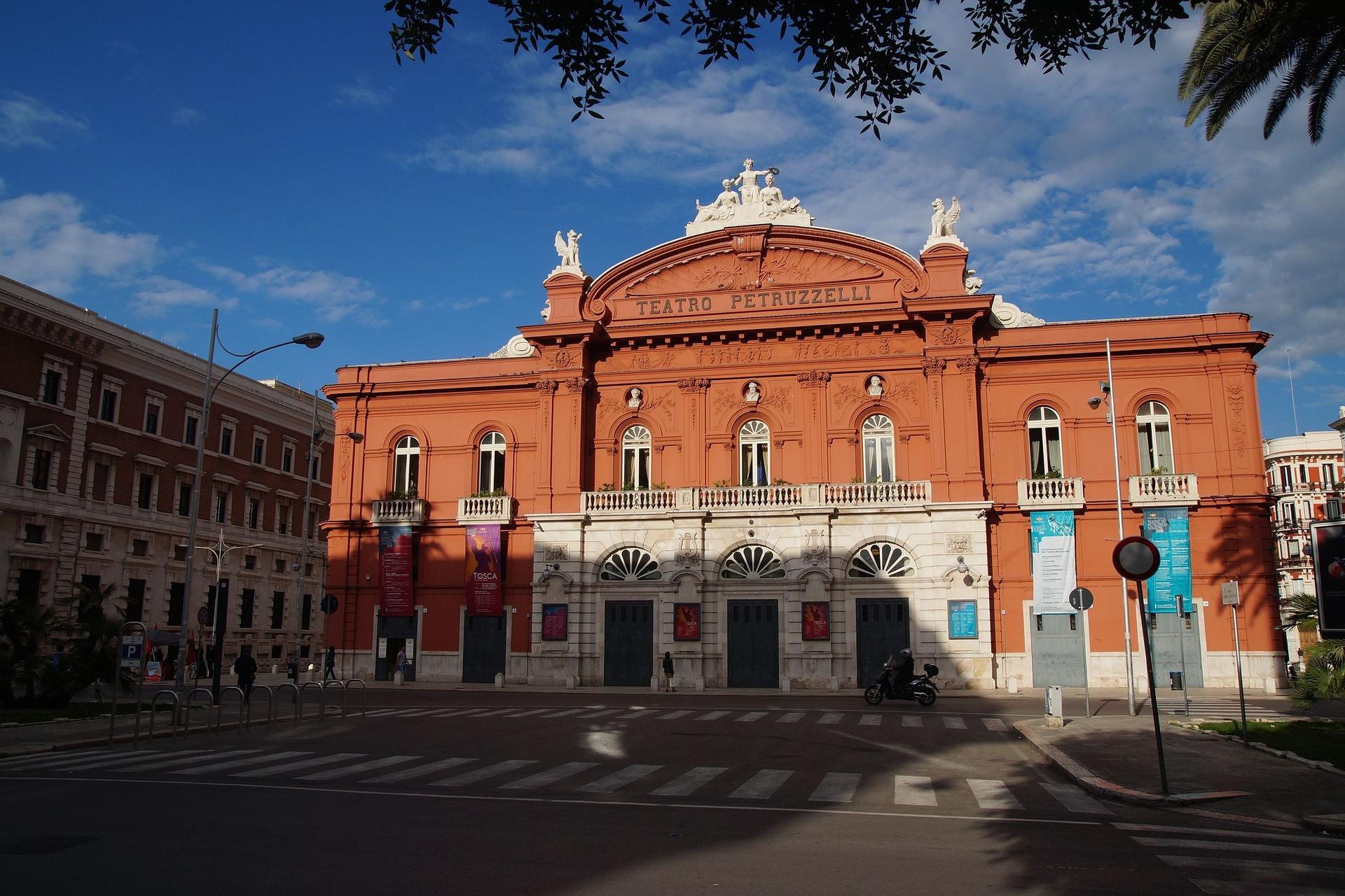 teatro petruzzelli storia