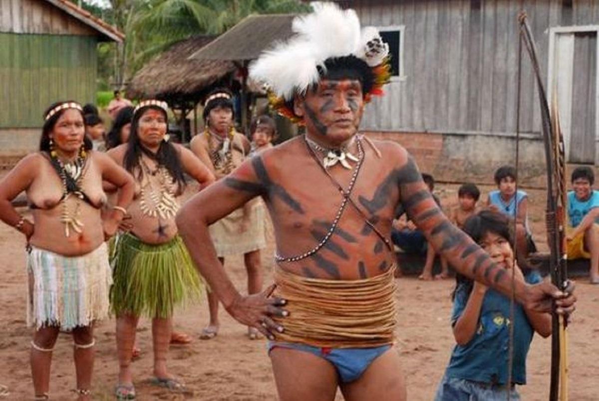 tribù amazzoniche che vivono senza tempo