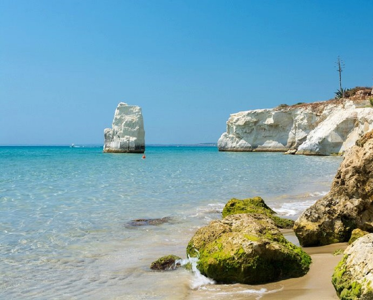 avola sicilia spiagge attrezzate