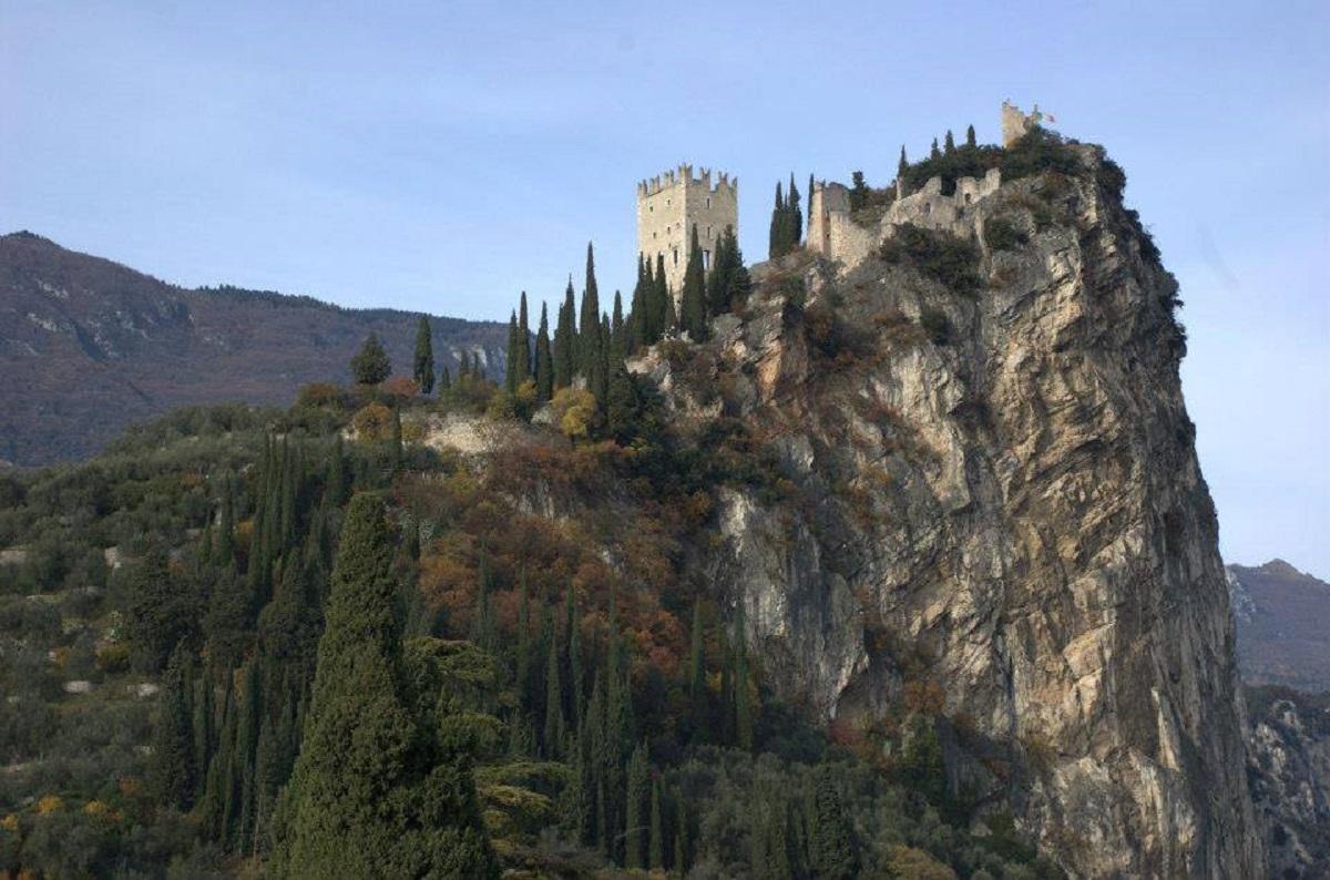 castello di arco trento