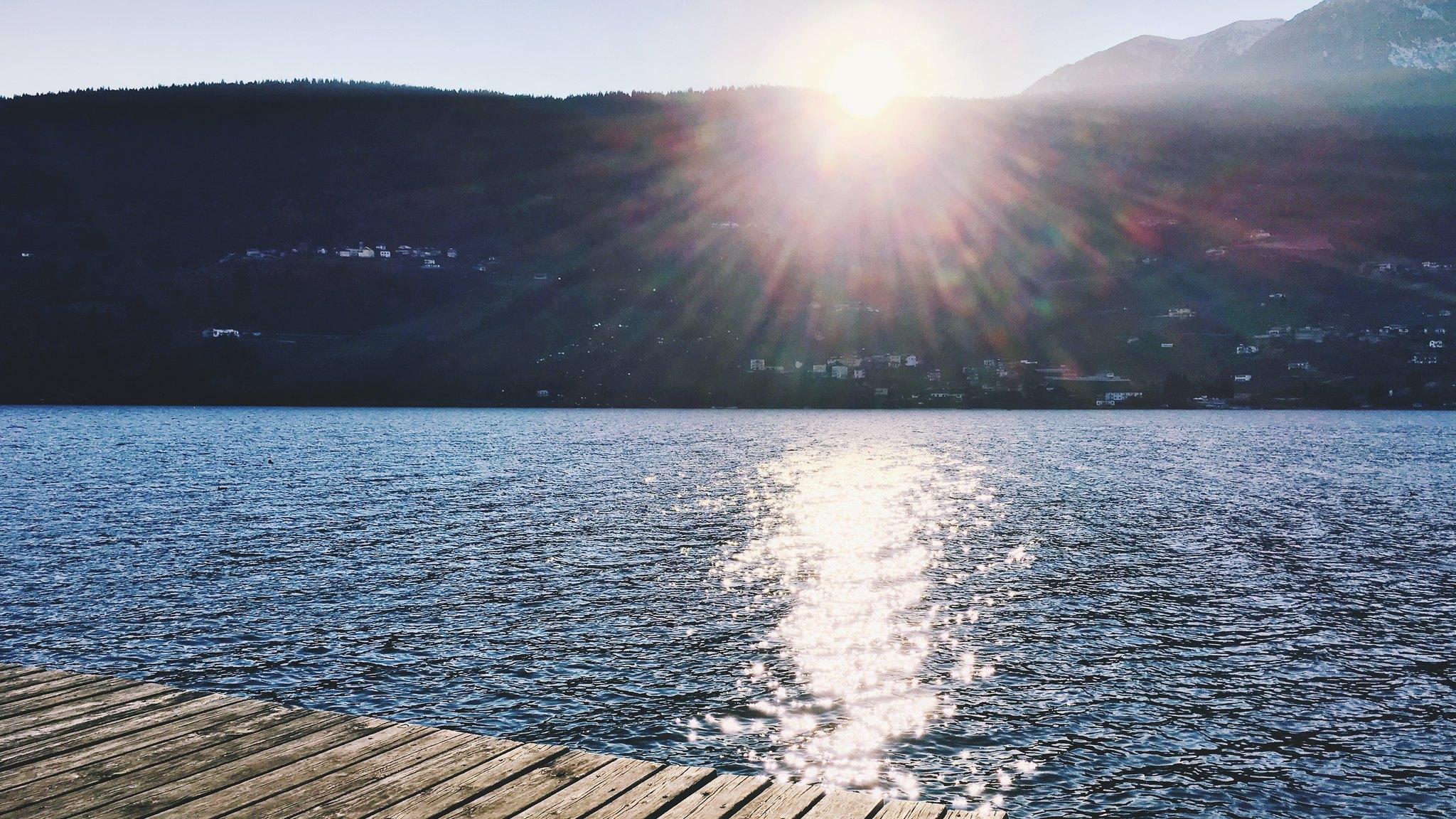 lago di levico spiaggia libera