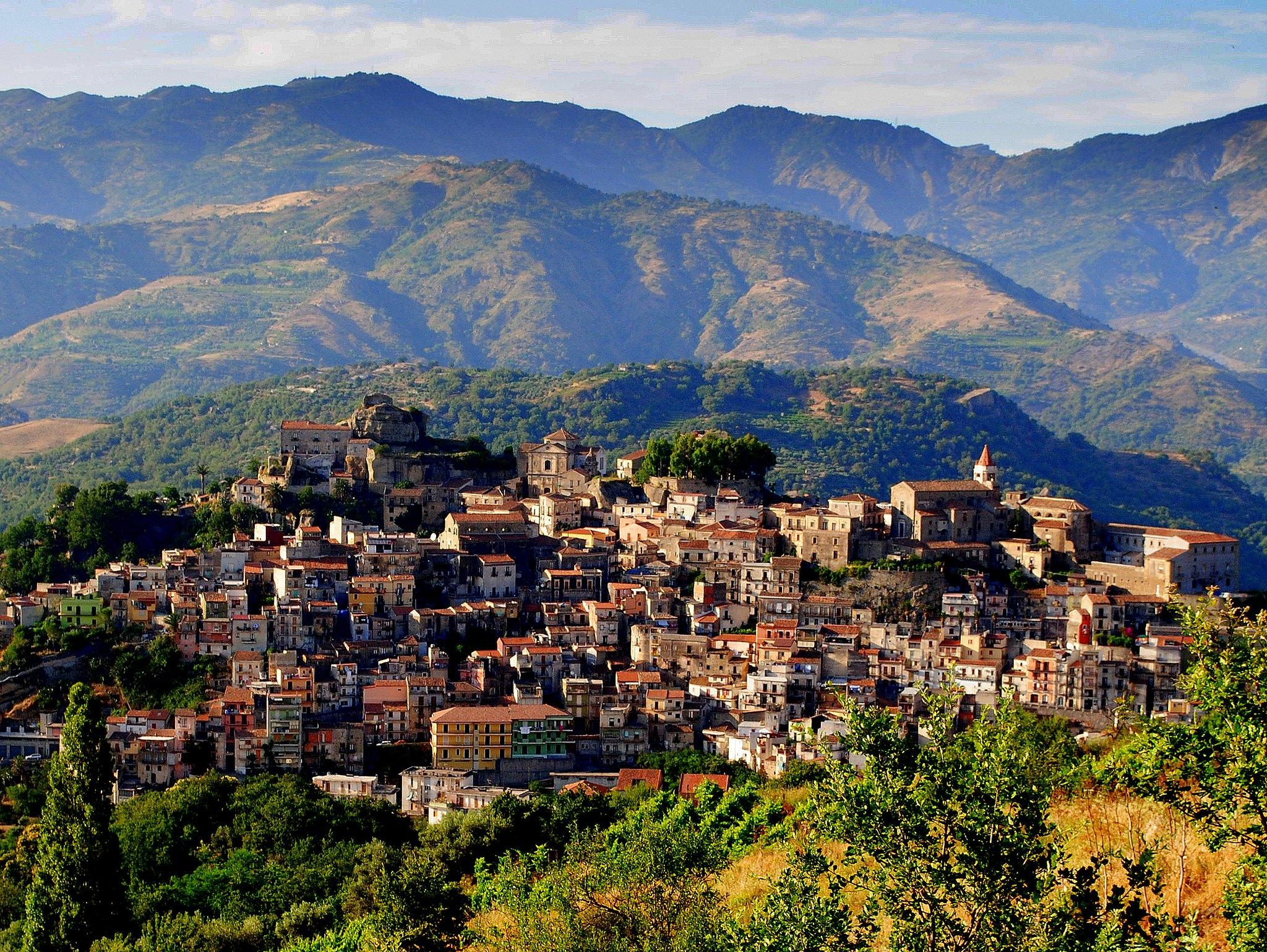castiglione di sicilia centro storico