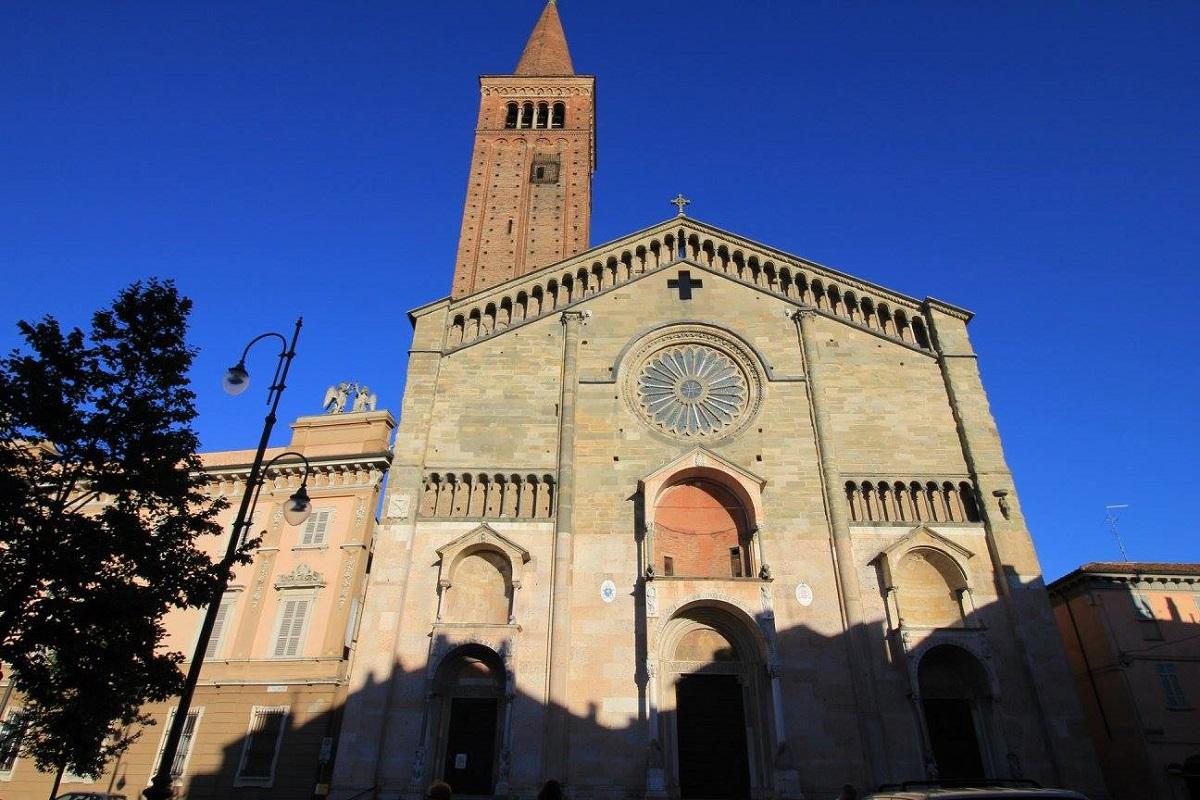 Duomo di Piacenza storia