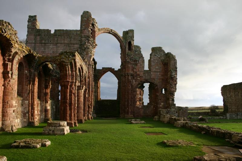 abbazia di lindisfarne in scozia 2