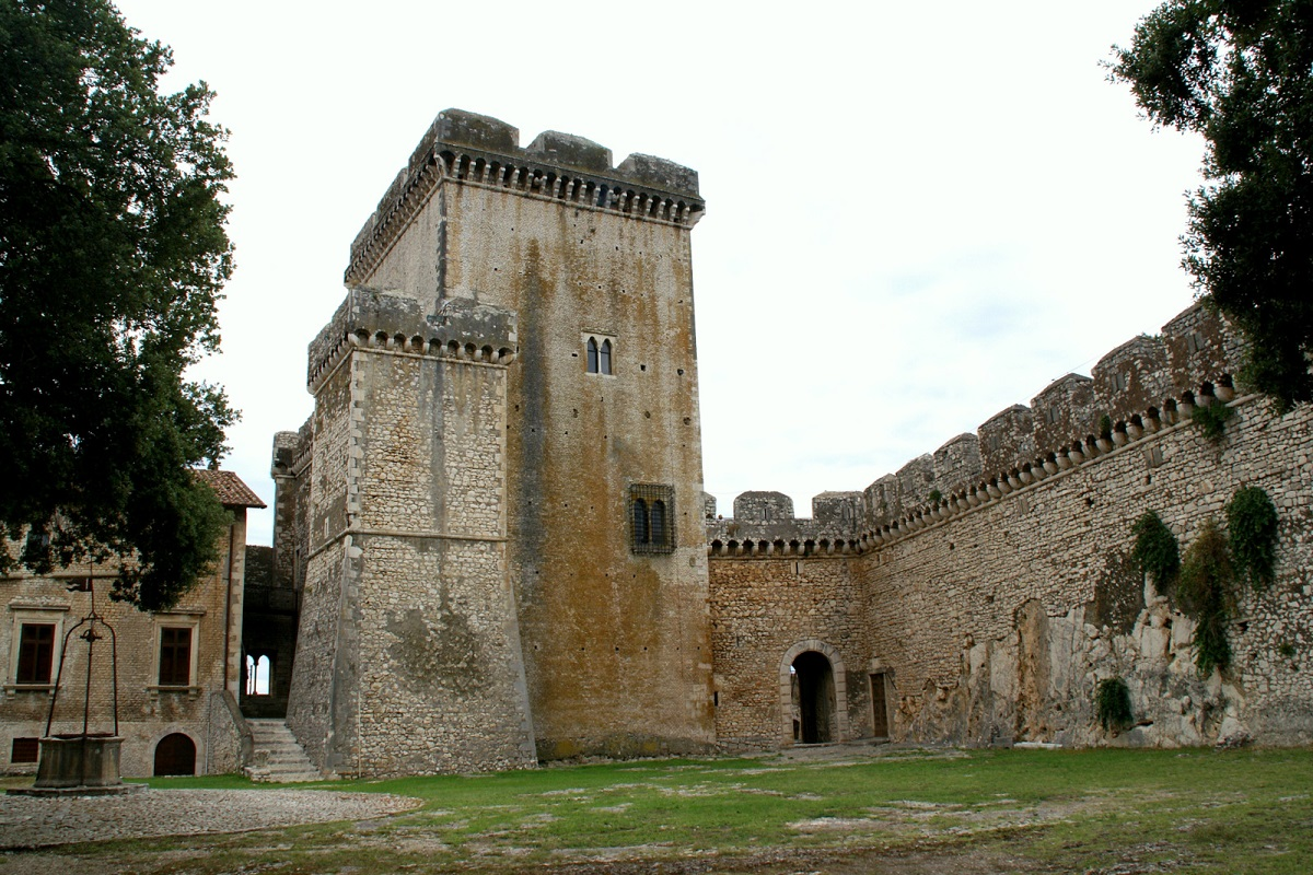 Castello Caetani Sermoneta storia