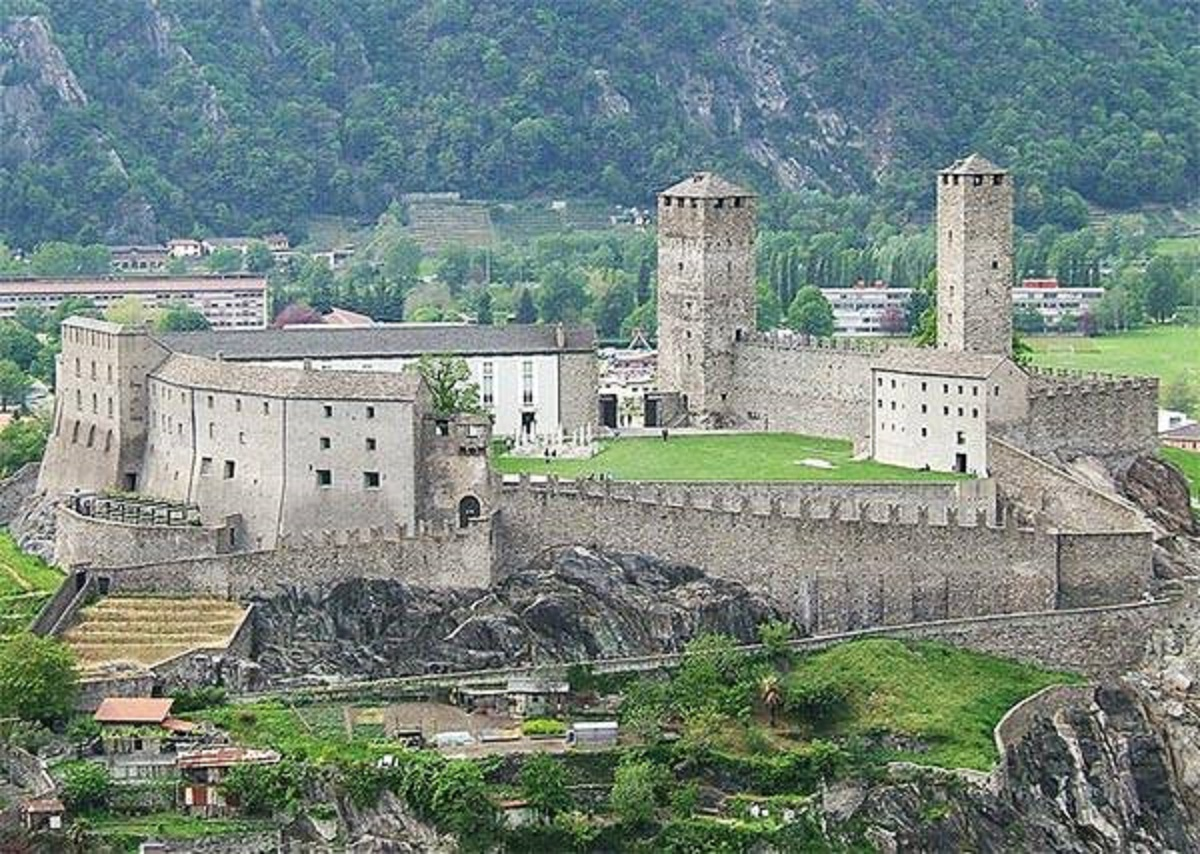 castello di montebello rimini