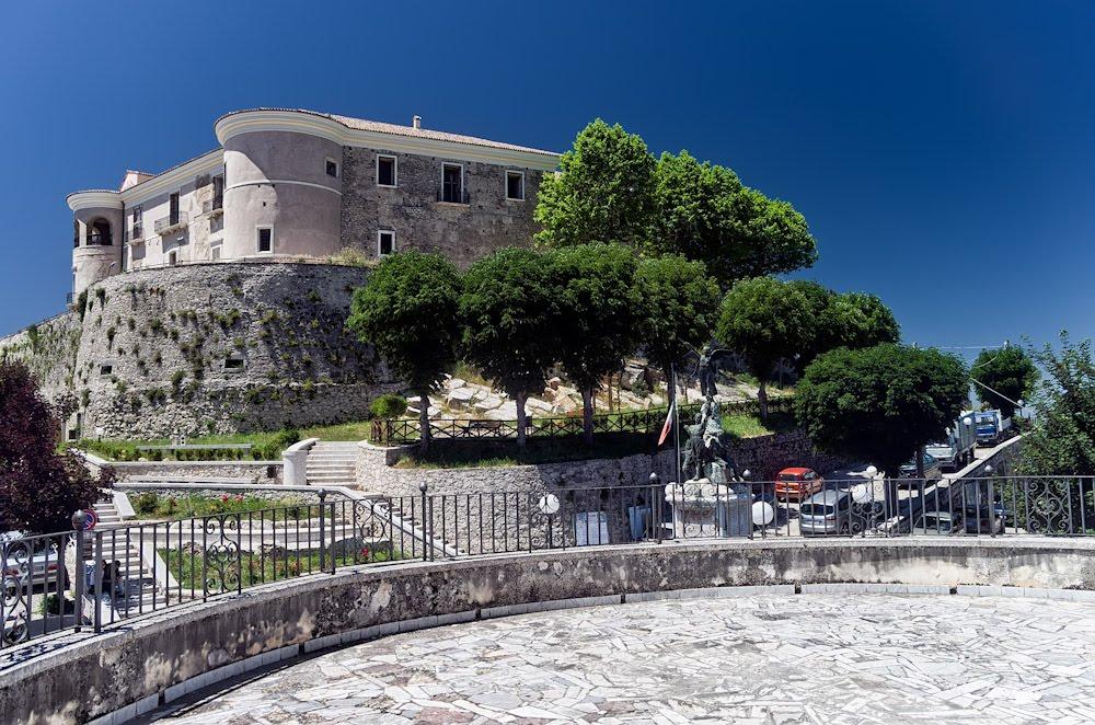 Castello Gesualdo