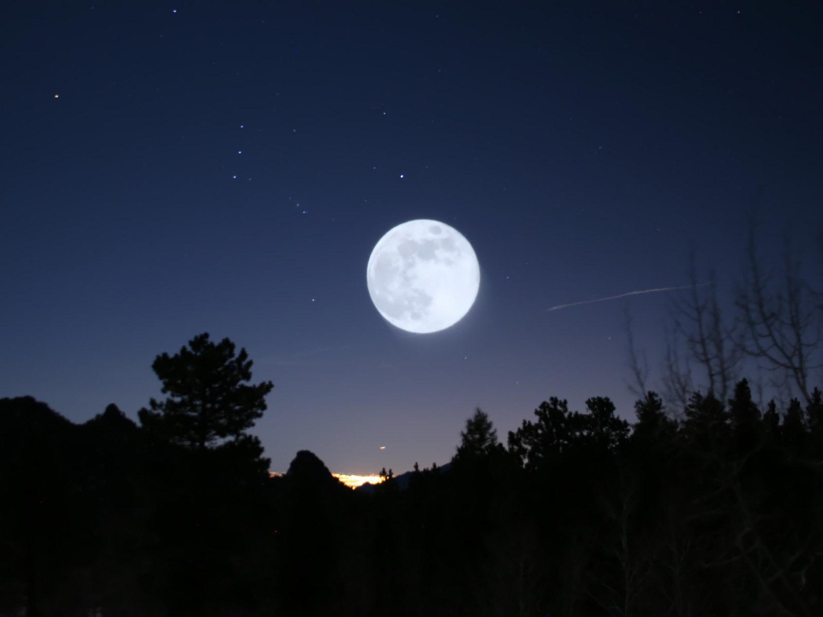 luna blu ottobre