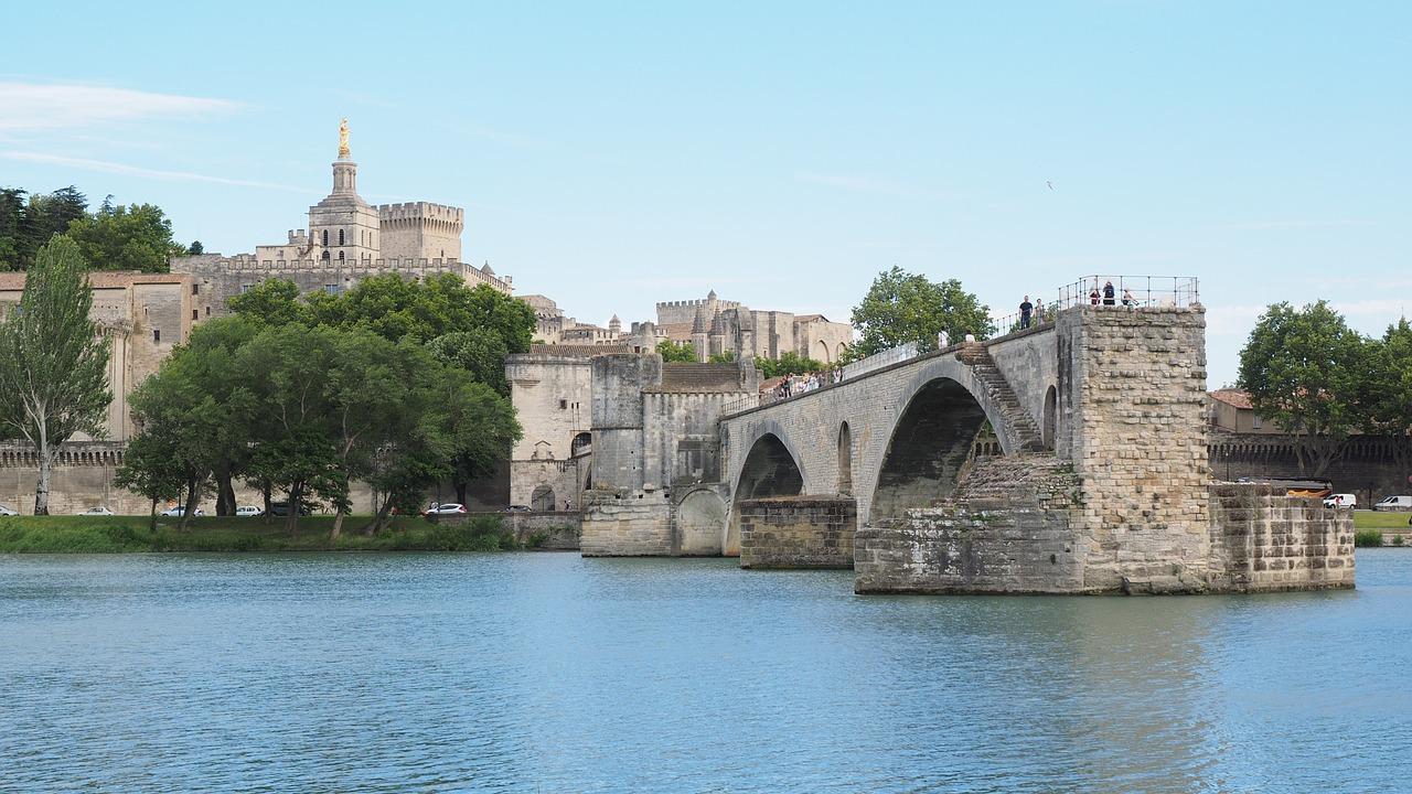 Ponte di Avignone storia