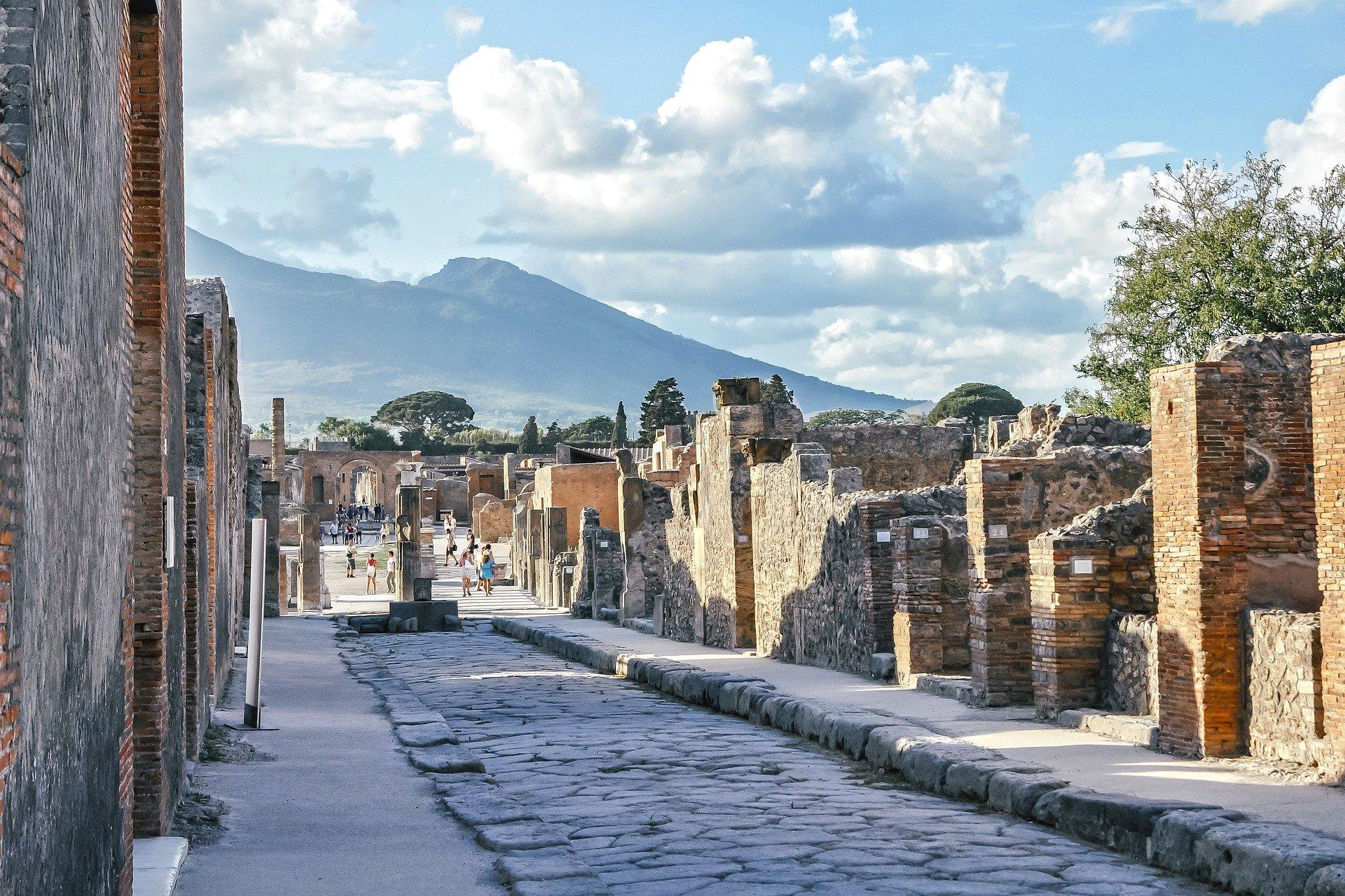 oggetti maledetti scavi pompei