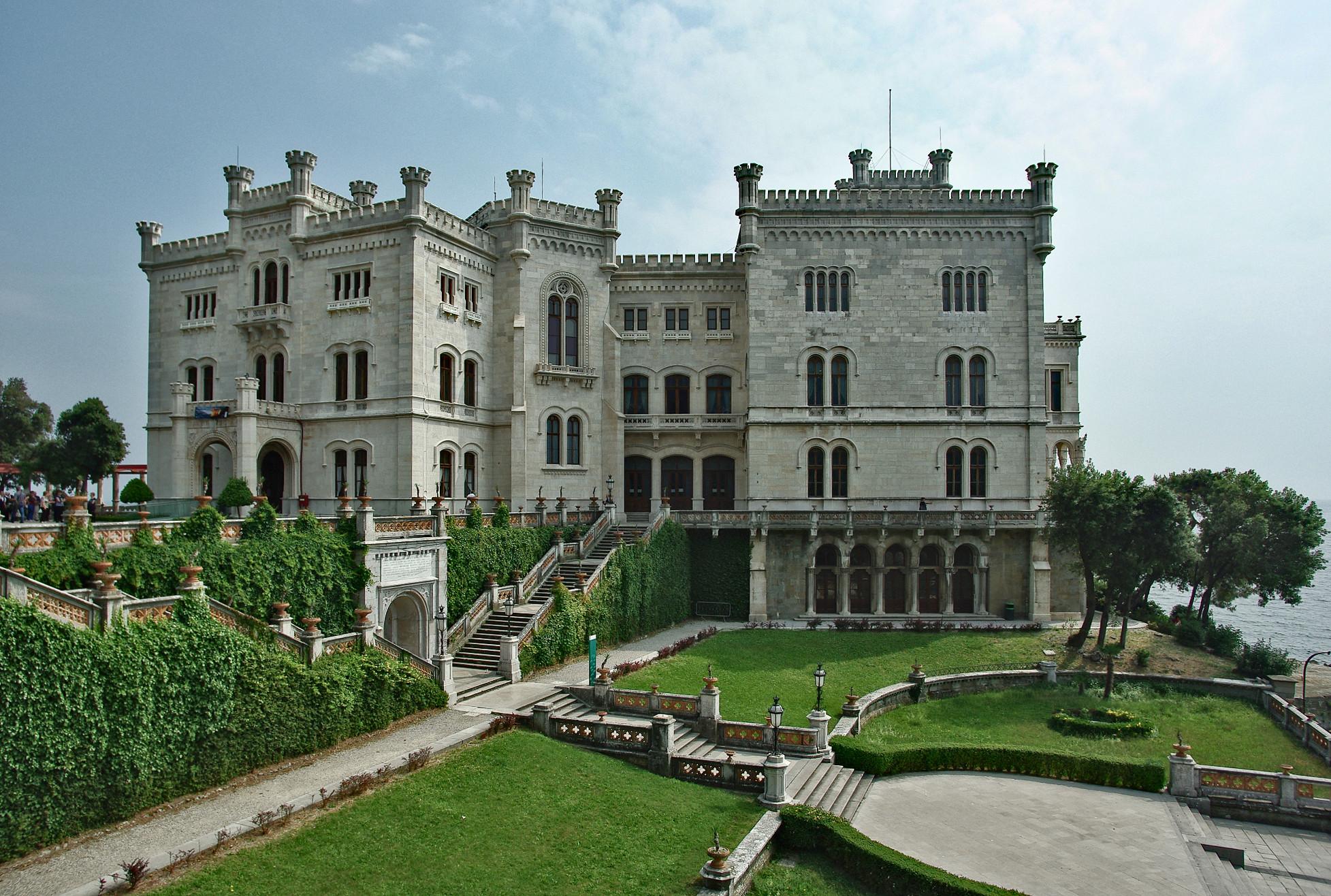 castello miramare trieste storia