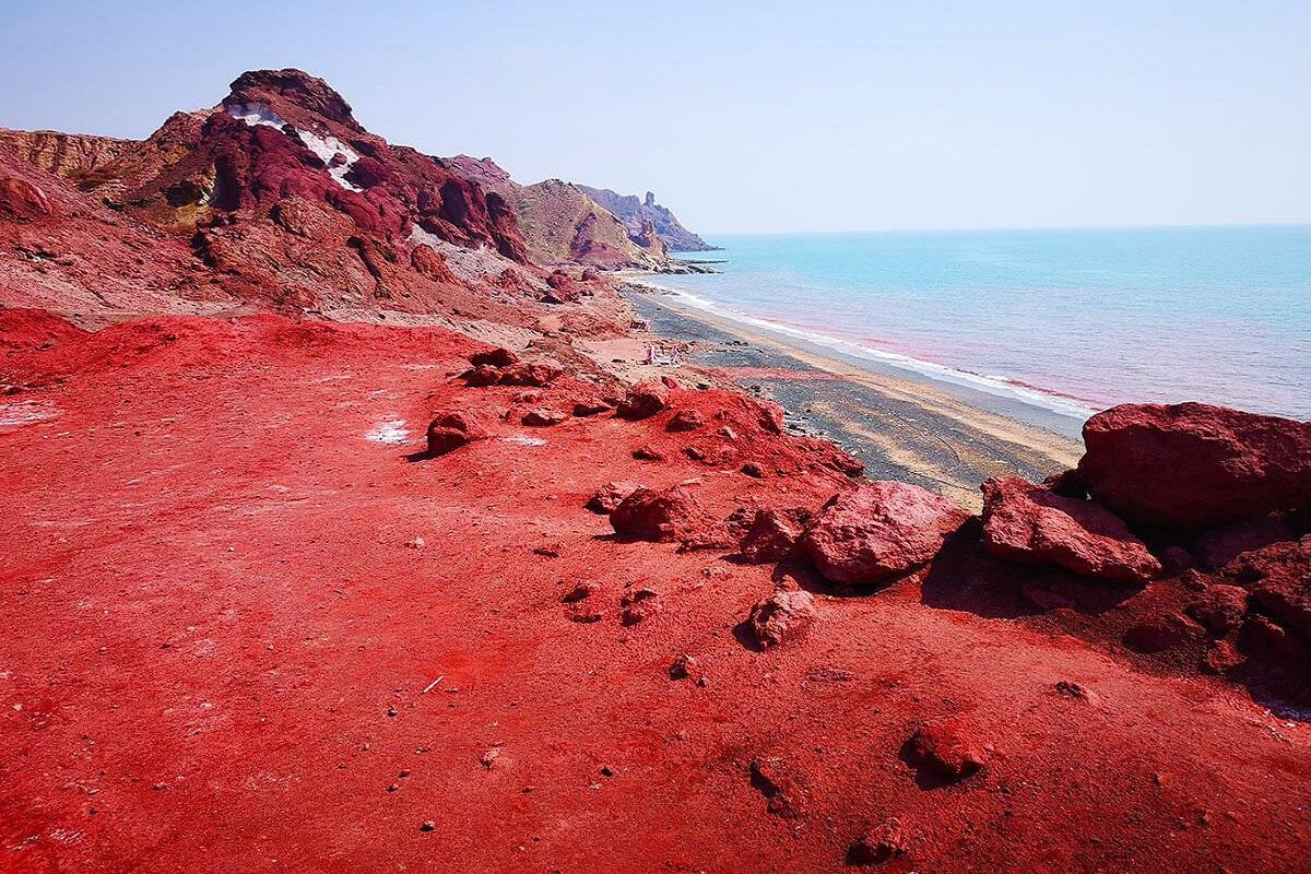Isola di Hormuz spiaggia rossa