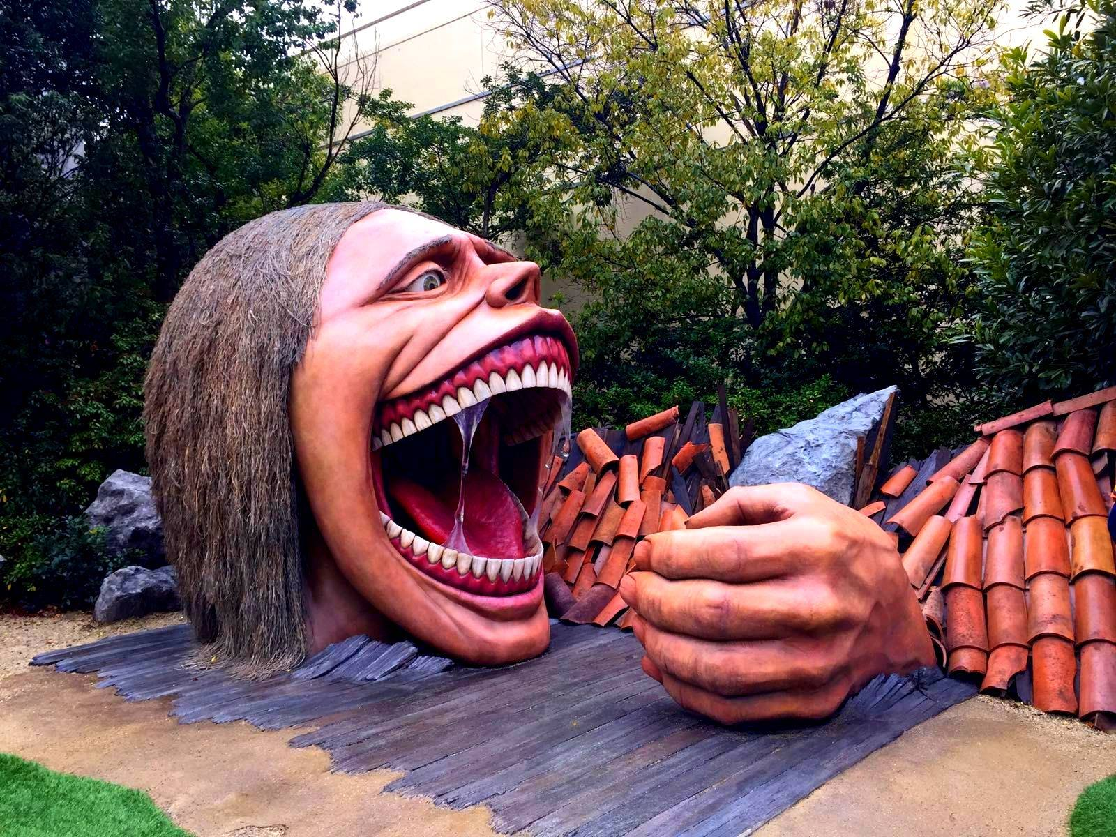 osaka parco attacco dei giganti