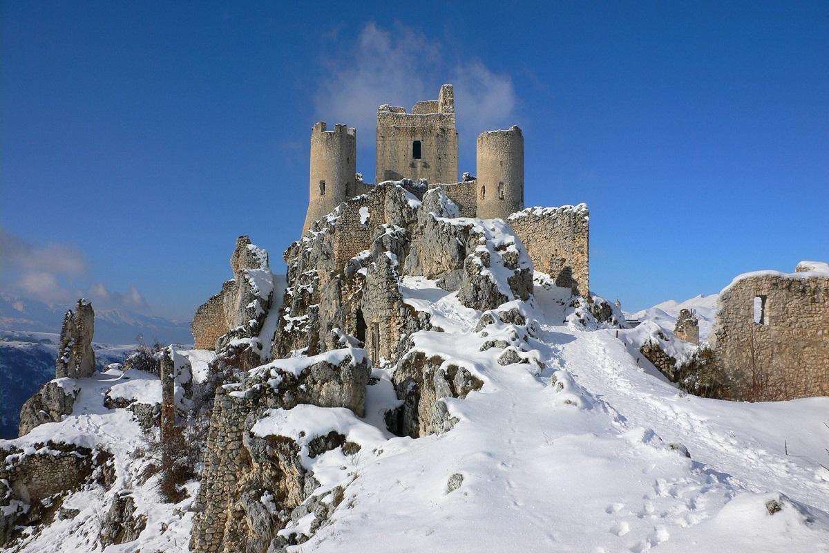 Castelli abbandonati in Italia