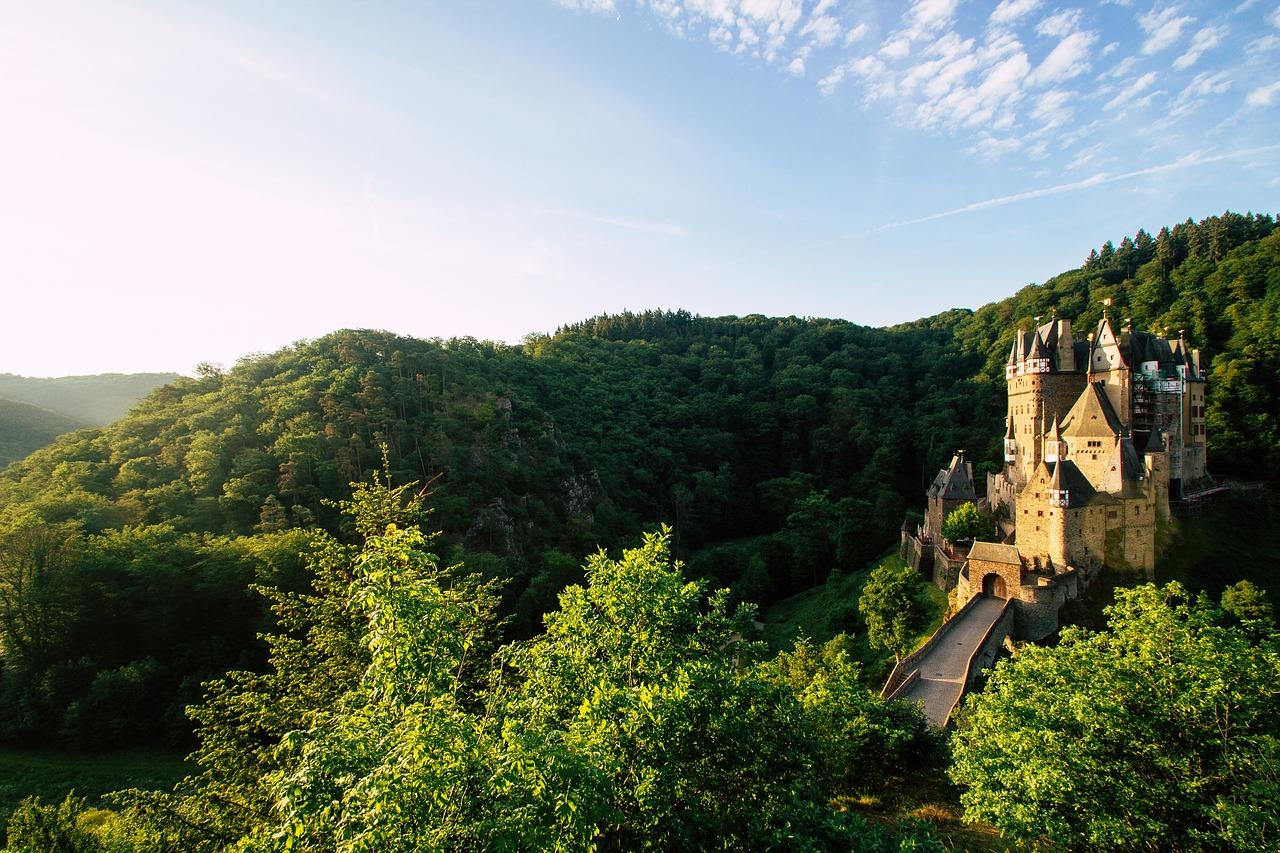 castle-2367367_1280