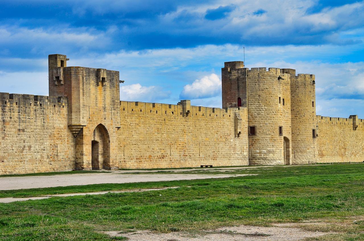 city-walls-6091902_1280