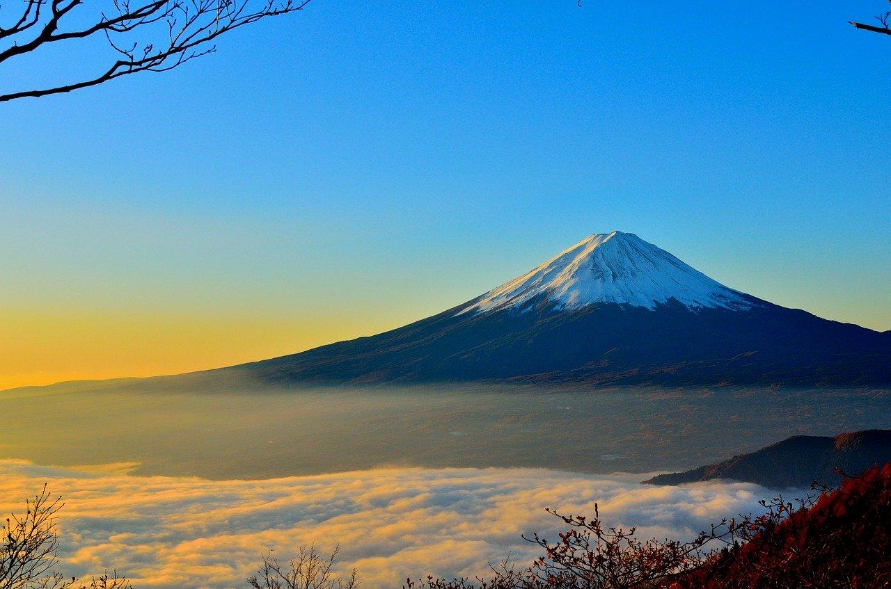 mountain-477832_1280