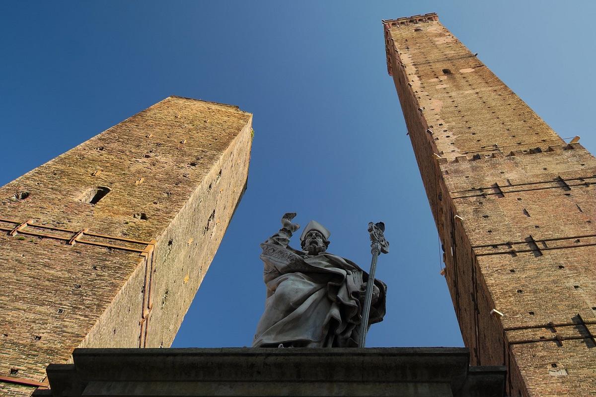 Torre degli Asinelli di Bologna: altezza, storia e leggenda