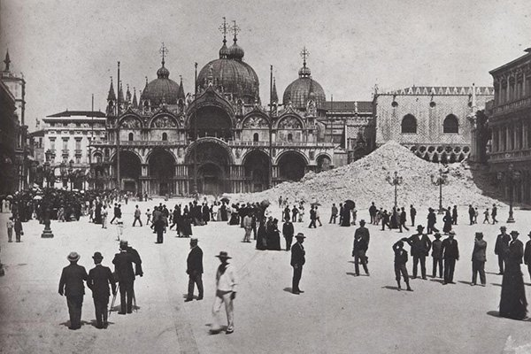 venezia macerie campanile