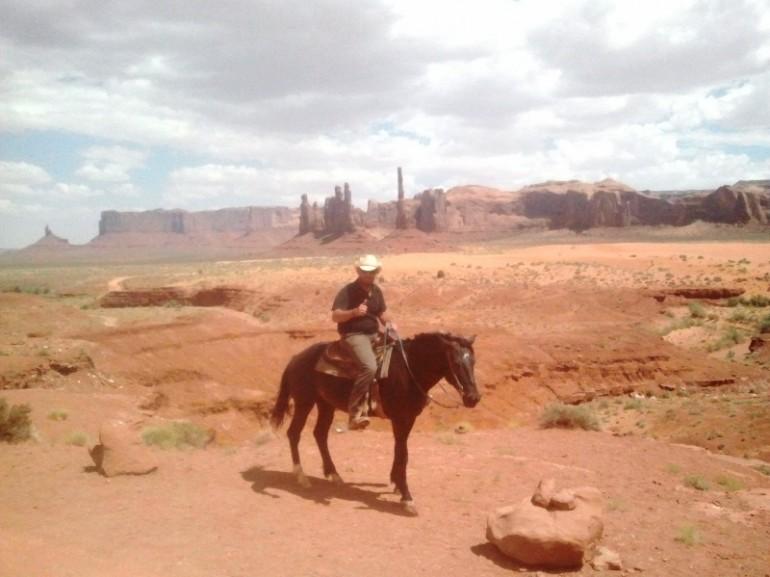 Costo tour a cavallo monument valley viaggiamo for Quanto costa mantenere un cavallo