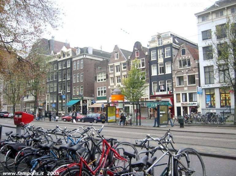 Prezzo noleggio biciclette amsterdam viaggiamo for Hotel vicino piazza dam amsterdam