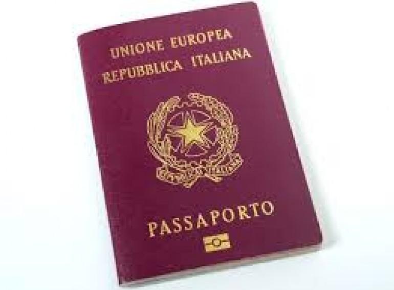 Come rinnovare passaporto italiano prima della scadenza for Quanto tempo conservare documenti 730